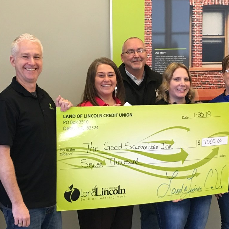 Land of Lincoln Credit Union Staff Donated Over 355 Hours of
