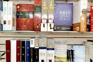 Bibles | Roseburg, OR | Harvard Ave. Drugs & Gifts | 541-672-1961