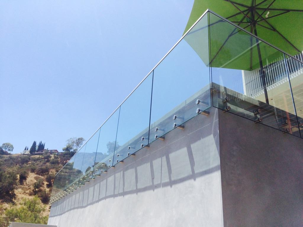 Outdoor Glass Railing