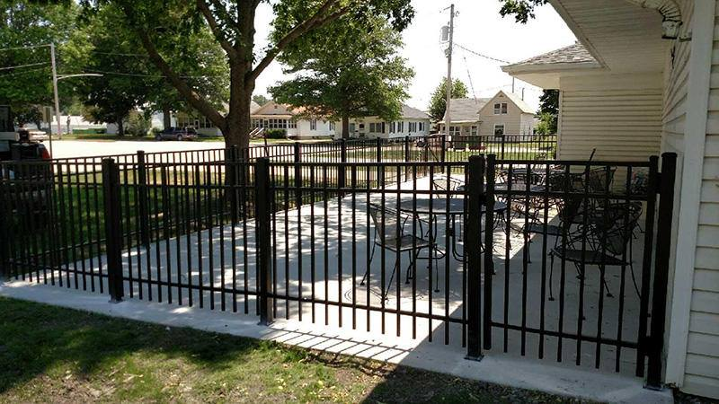 Commercial fence