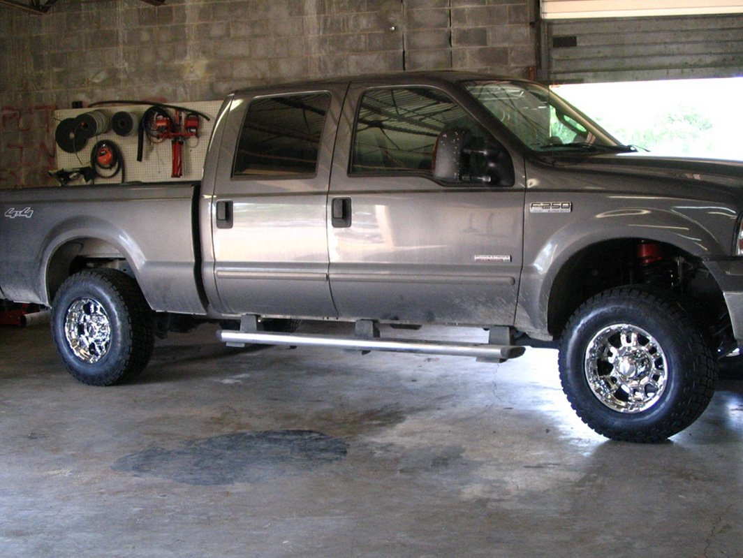 Truck with installed lift kit