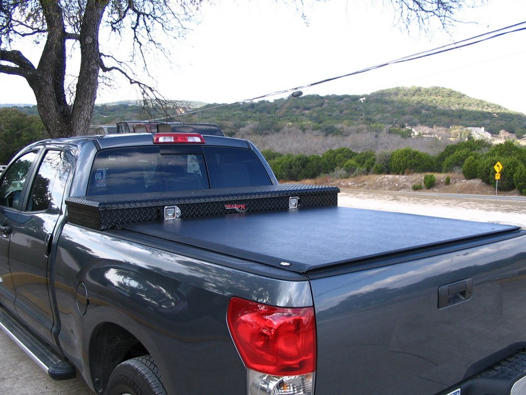 Pick-up with tonneau cover