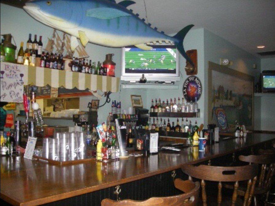 McMenamy seafood bar