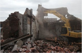 Demolition Crew | Altoona, IA | Iowa Demolition | 515-729-9268