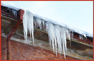A snow to remove in building's roof