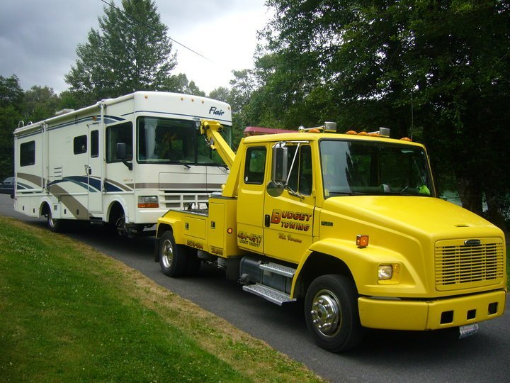 towing RVs