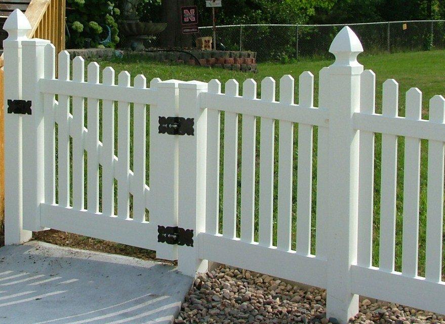Dakota Fence & Deck 4' white picket under scalloped with gothic caps - Omaha and Papillion, Nebraska