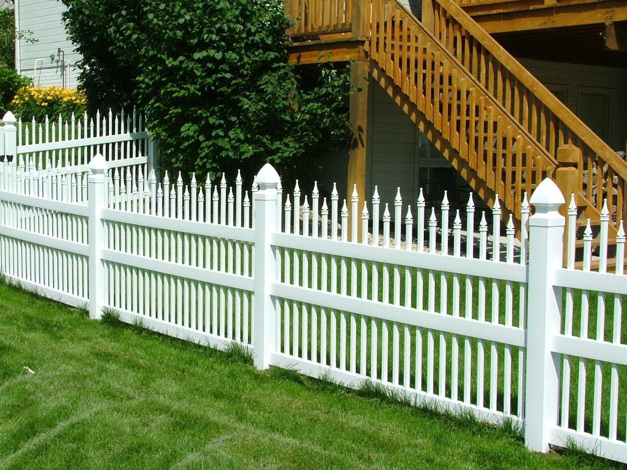 Dakota Fence & Deck 4' white pvc ornamental style - Omaha and Papillion, Nebraska
