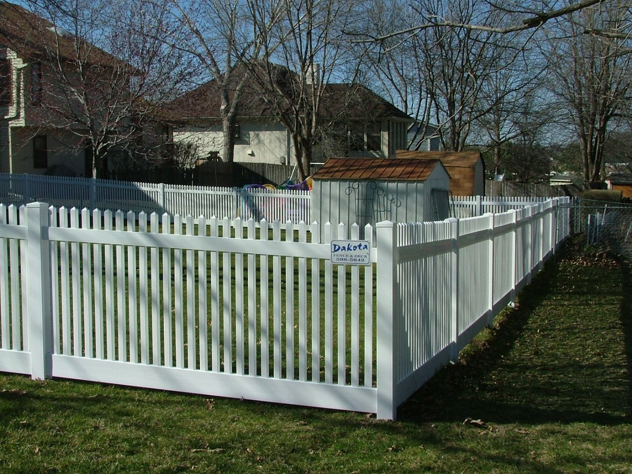 Dakota Fence & Deck 4' white pvc picket with 1.5 x 1.5  pickets - Omaha and Papillion, Nebraska