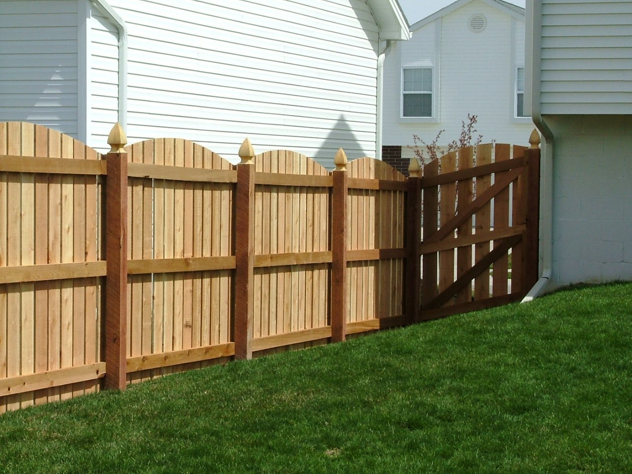 Dakota Fence & Deck 6' cedar picket scalloped up with gothic posts - Omaha and Papillion, Nebraska