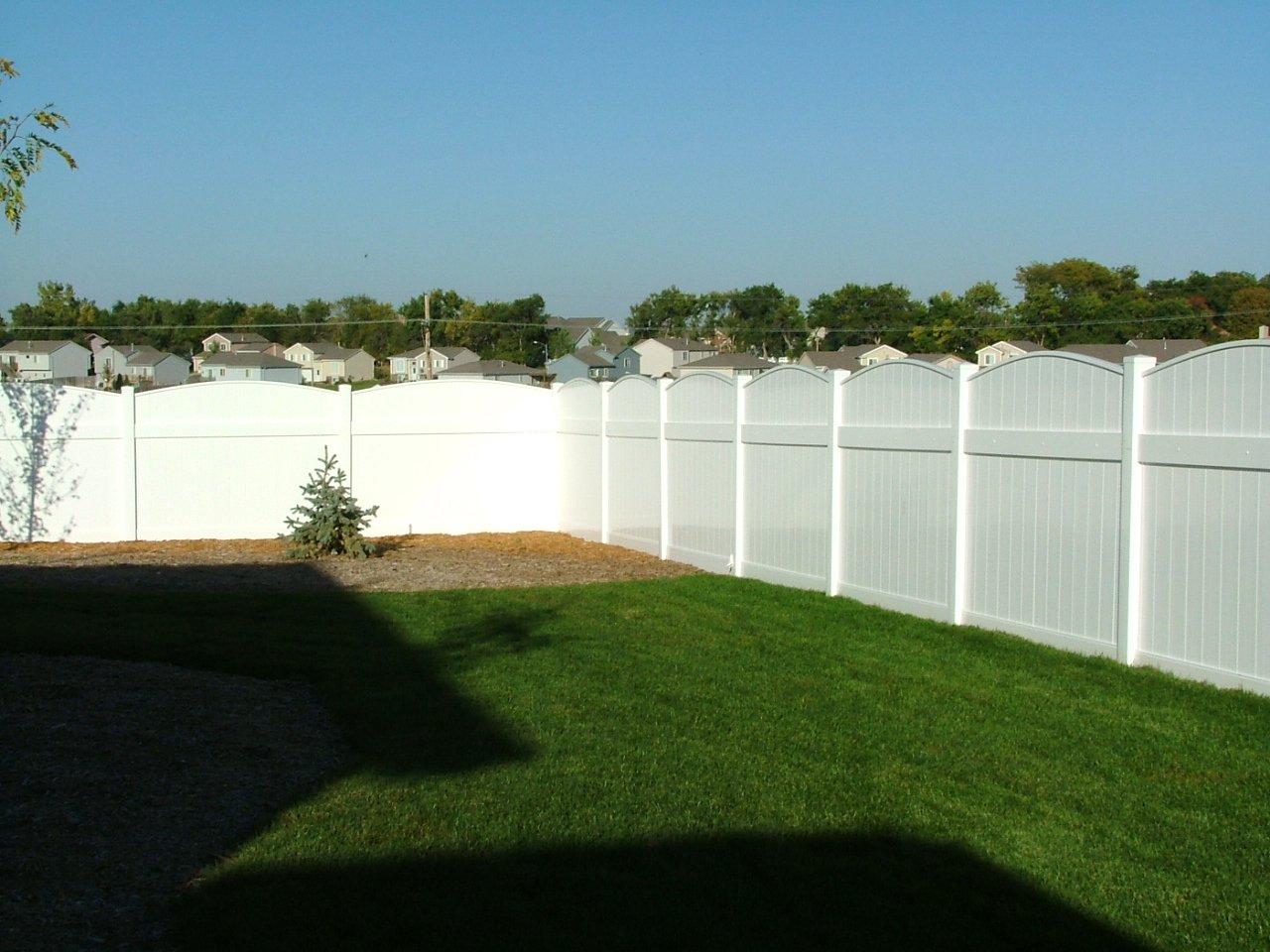 Dakota Fence & Deck 6' solid pvc scalloped up fence - Omaha and Papillion, Nebraska