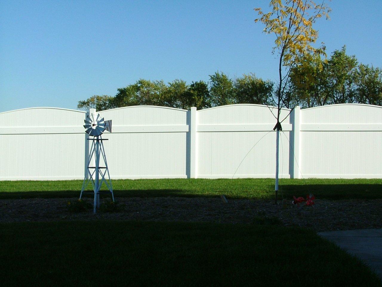 Dakota Fence & Deck 6' white solid pvc scalloped up fence - Omaha and Papillion, Nebraska