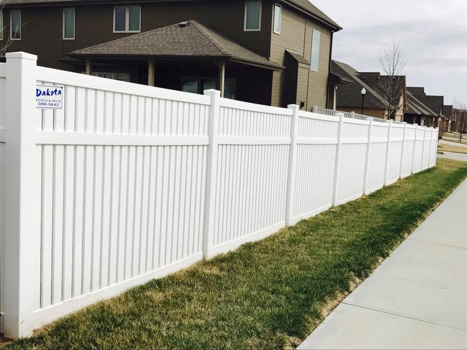 Dakota Fence & Deck 6' whtie semi private with 3 inch picket 1 inch space - Omaha and Papillion, Nebraska