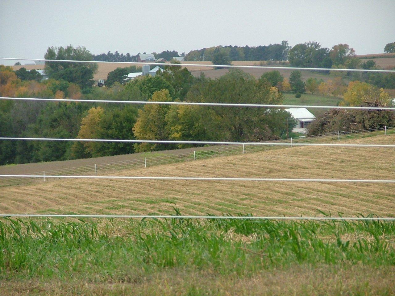 Dakota Fence & Deck  electric fence - Omaha and Papillion, Nebraska