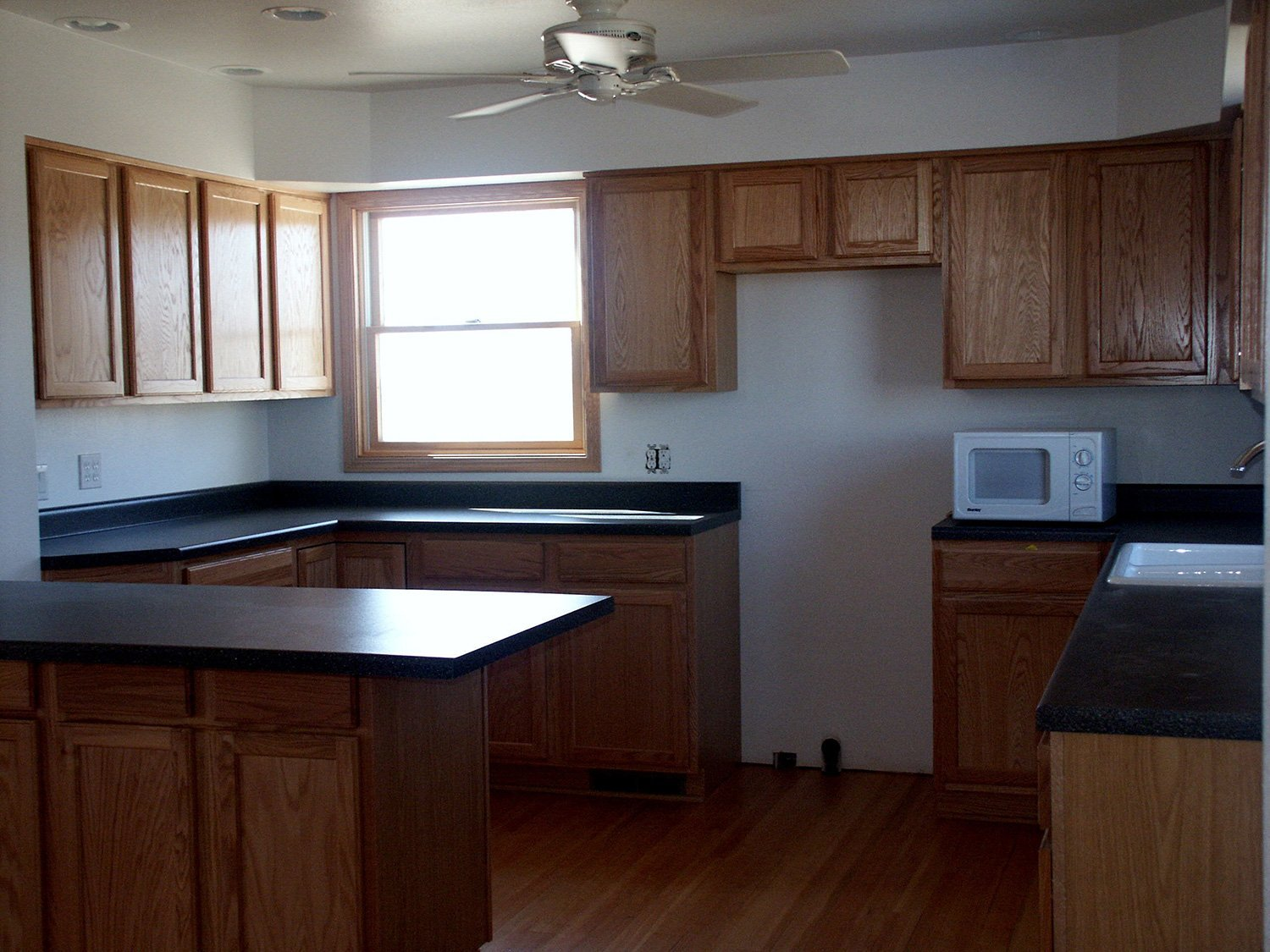 fixed kitchen of a house by LDR Cleaning & Restoration
