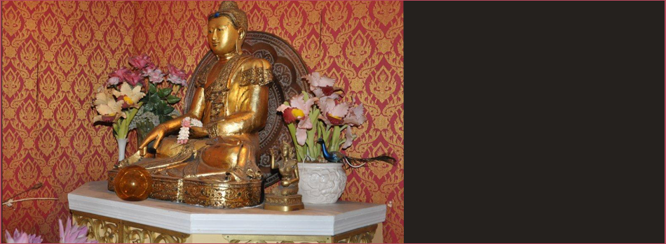 A View Of Statue In The King and I Restaurant