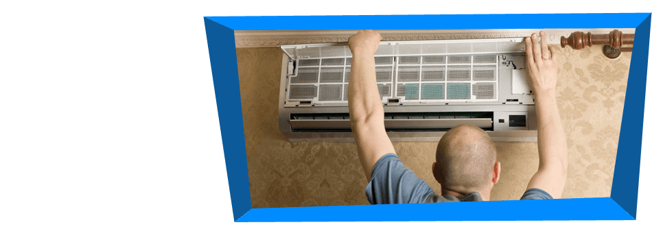 Man repairing an aircondition