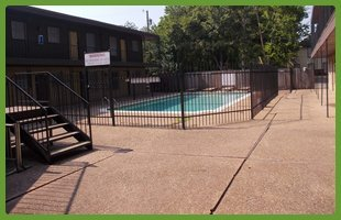 Private pool | Waco, TX | University Rentals | 254-752-5691
