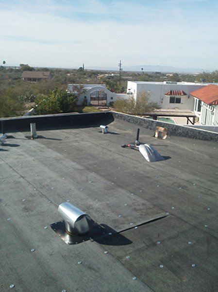 Commercial roof with felt