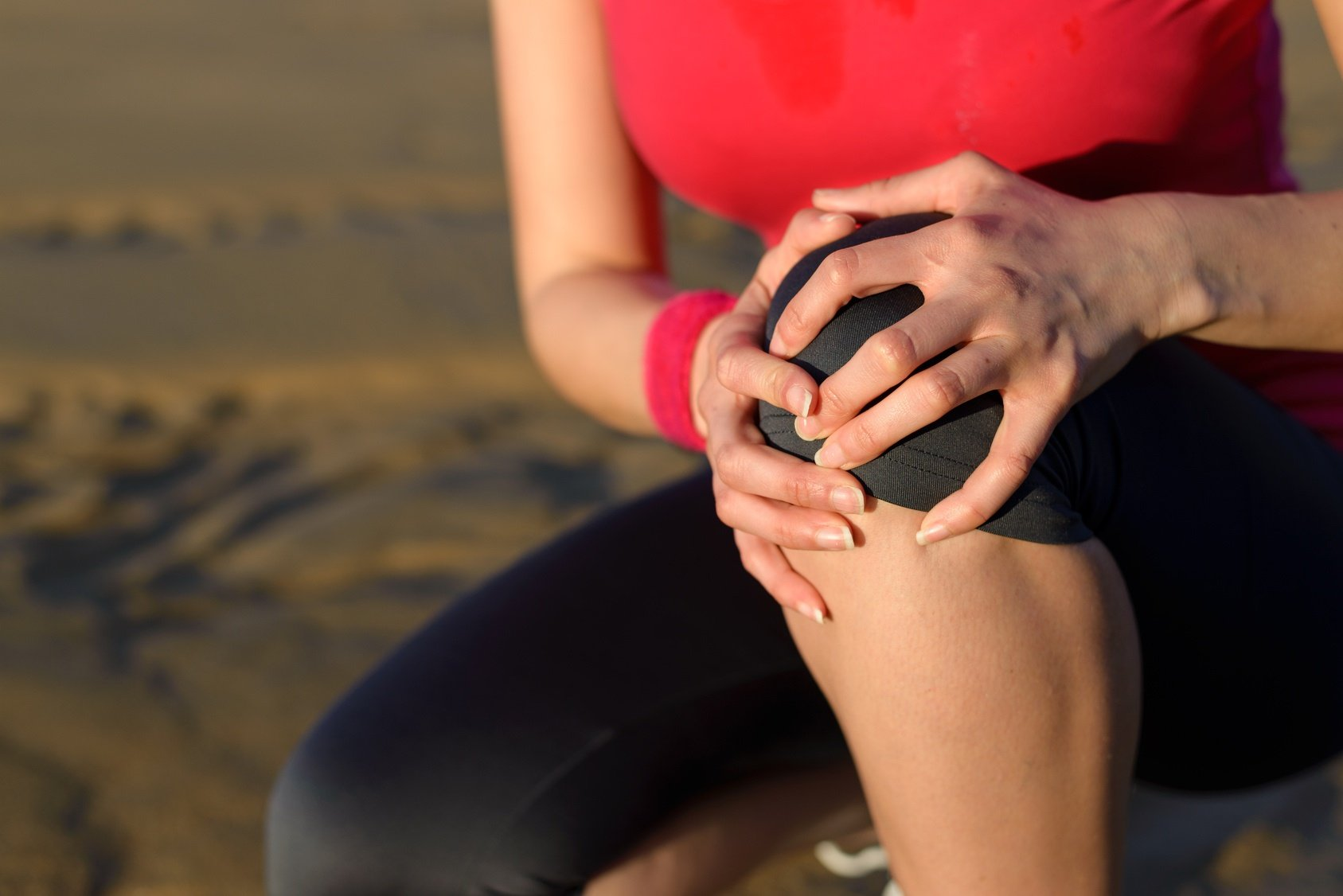 Knee pain while walking on the beach