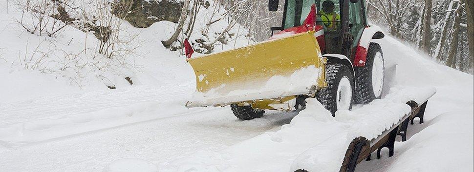Man removing the snow