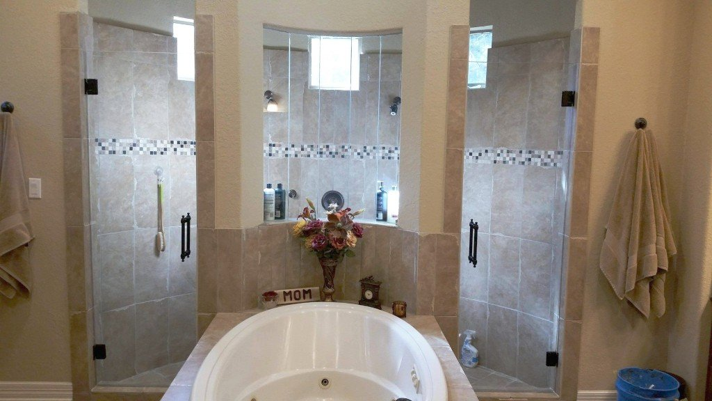 Nb glass glass replacement new braunfels tx for Bathroom mirrors san antonio