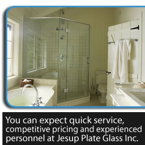 Shower Tub - Jesup, GA - Jesup Plate Glass Inc. - shower door - You can expect quick service, competitive pricing and experienced personnel at Jesup Plate Glass Inc.