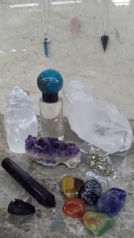 Sets of raw and polished geodes and crystals