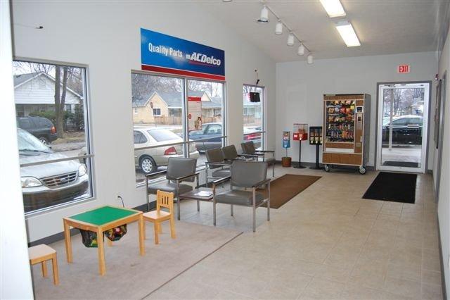 Don's Service Center image