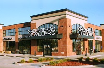 The Junction – Retail Center Located at 802 SE Oralabor Road, Ankeny, IA 50021. Home to Greenberg's Jeweler, Maid-Rite, and Cowboy Chicken!