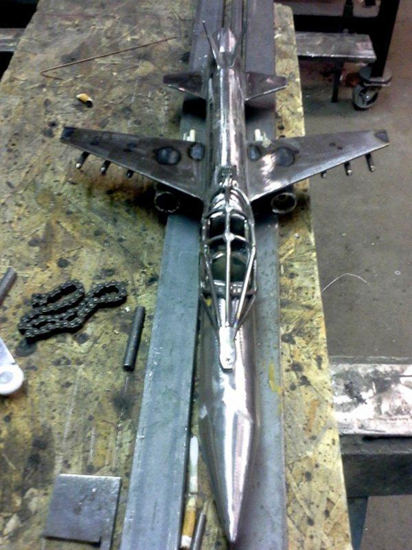 Metal Statue Jet
