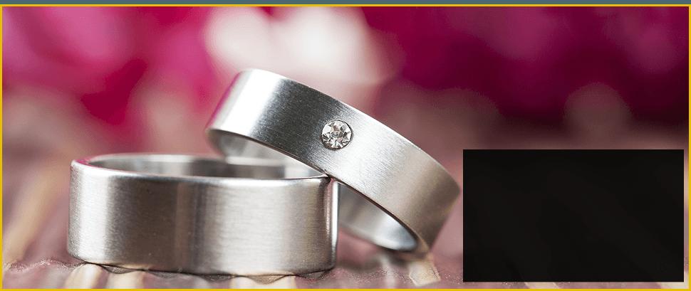 Elegant Silver Ring with gemstone