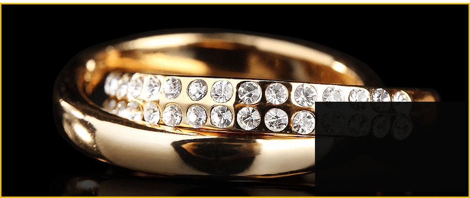 Elegant Golden Ring with Diamonds
