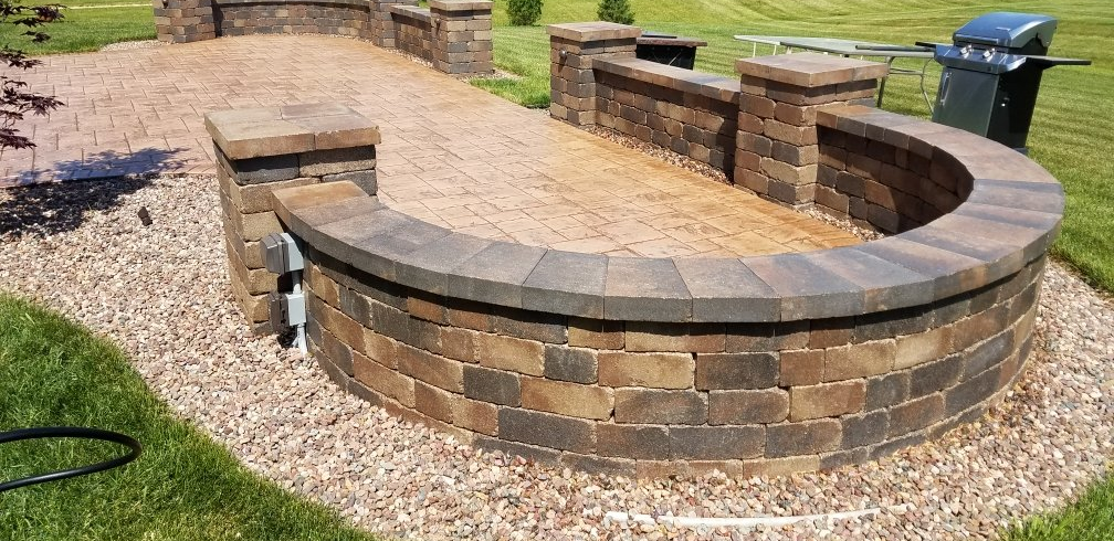 Residential And Commercial Retaining Wall Installations