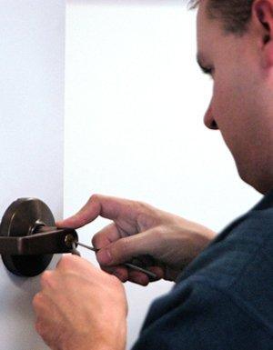 Locks - Jackson, MS - Butlers Locksmith Service - door repair