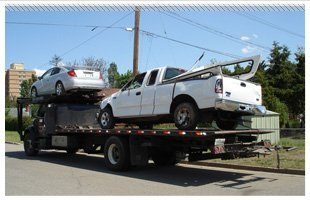 Commercial truck towing service | Elkhart, IA | McKinney Towing | 515-367-3111
