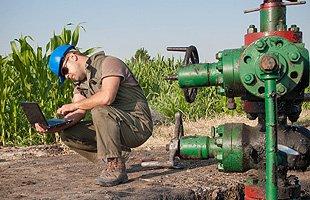 Oil Field Supplies  | Seminole, TX | Loewen Farm & Lumber | 432-758-6035