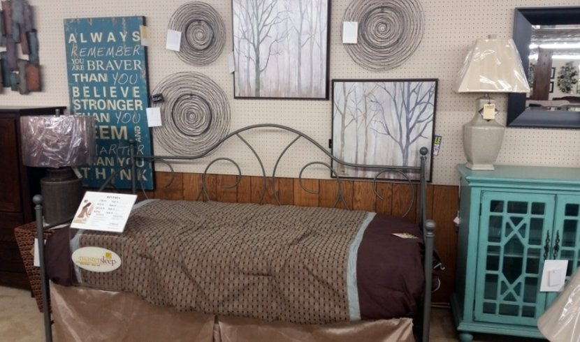 Single bed and wall decor