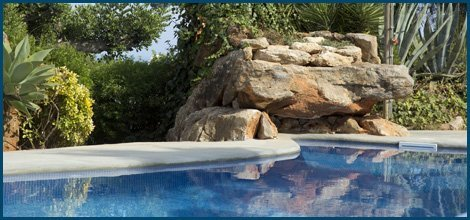 landscaping stone swimming pool