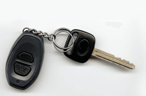 Car key with alarm