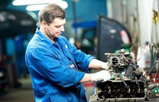 Engine repairs | Waukegan, IL | Greenwood Automotive Inc | 847-336-0882