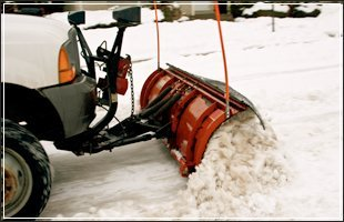 Snow Removal | Des Moines, IA | Duax Lawn Care & Snow Removal | 515-238-9411