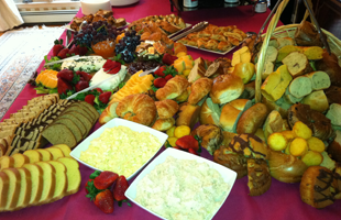 Holiday Parties | Staten Island, NY | Simply Elegant Caterers | 718-356-9094