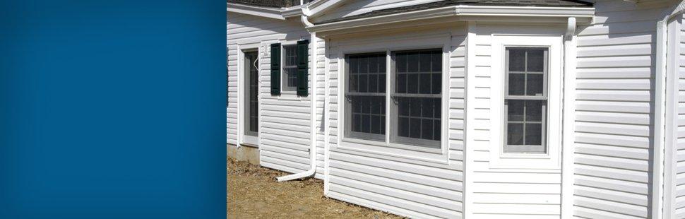 White siding modular home