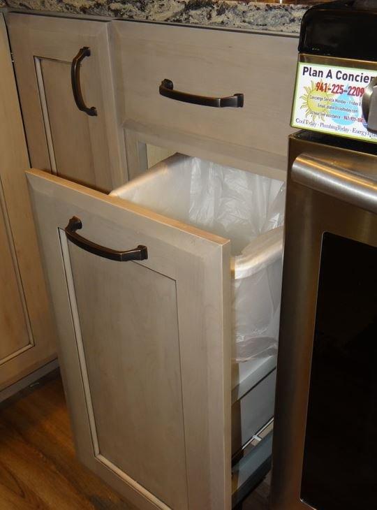 efficient storage for hidden garbage pail