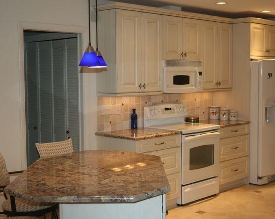 Bright, modern, and happy kitchen designs