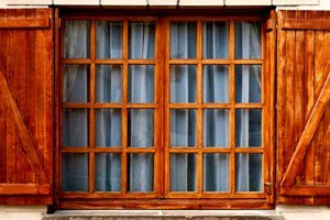 Brown windows installation