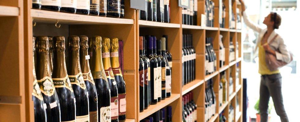 liquor & Canopy Bottle and Gourmet Shoppe | Reviews