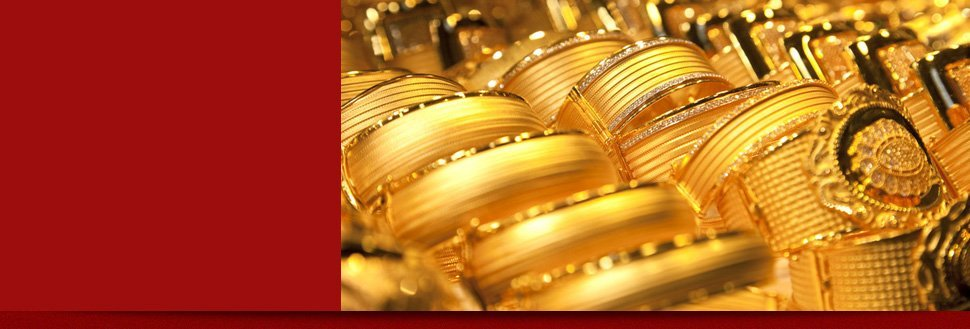 Precious gold jewelries
