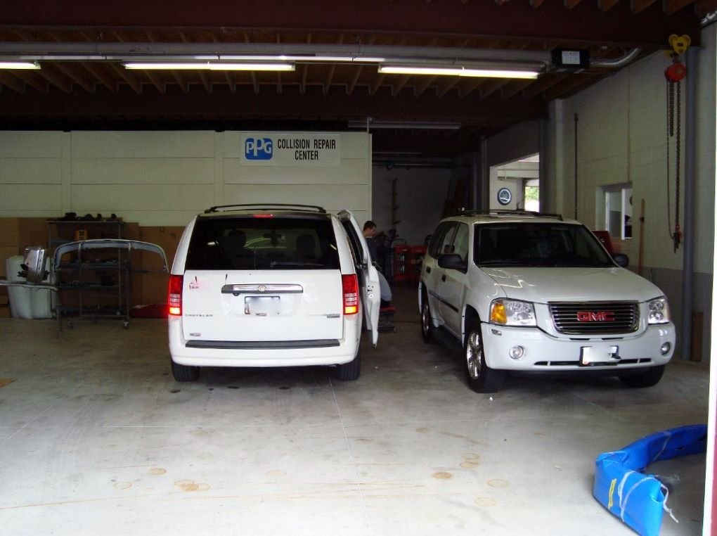 Childress Collision LLC & Towing Office